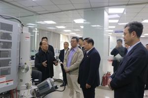 中国金融国际董事局主席杜林东万博官方网站手机登录万博电脑登录万博官网man手机登陆参观调研